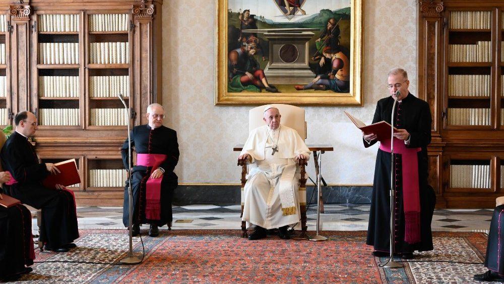 ĐTC Phanxicô: Thiếu lắng nghe lời Chúa, hiệp thông, Thánh Thể và cầu nguyện thì không là Giáo hội