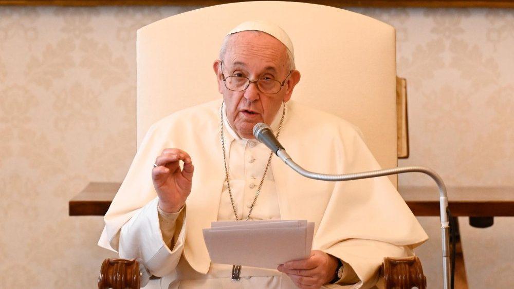 ĐTC Phanxicô: Đừng xem thường khẩu nguyện, vì nó đưa chúng ta đến với Chúa