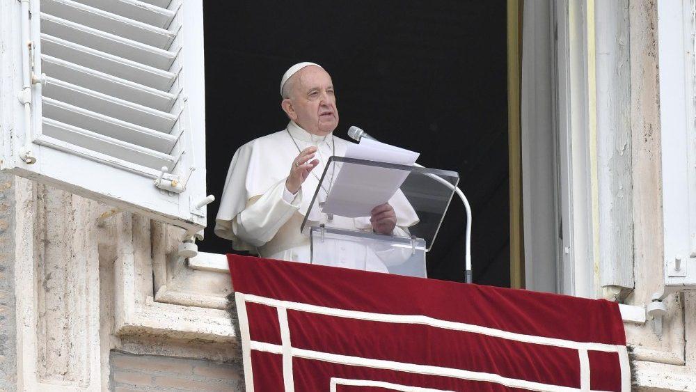 ĐTC Phanxicô: Thánh Thể không phải là phần thưởng của các thánh, nhưng là Bánh của tội nhân